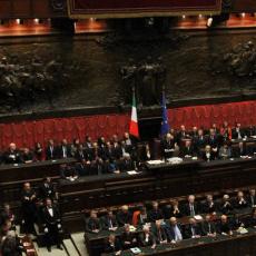 You are listening to Montecitorio - elezione del Presidente della Repubblica & musica ambient